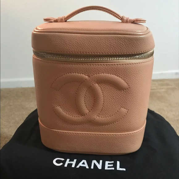 ee846c0f02f9 CHANEL Handbags - Vintage EUC Peach/ Blush Pink Chanel Vanity purse